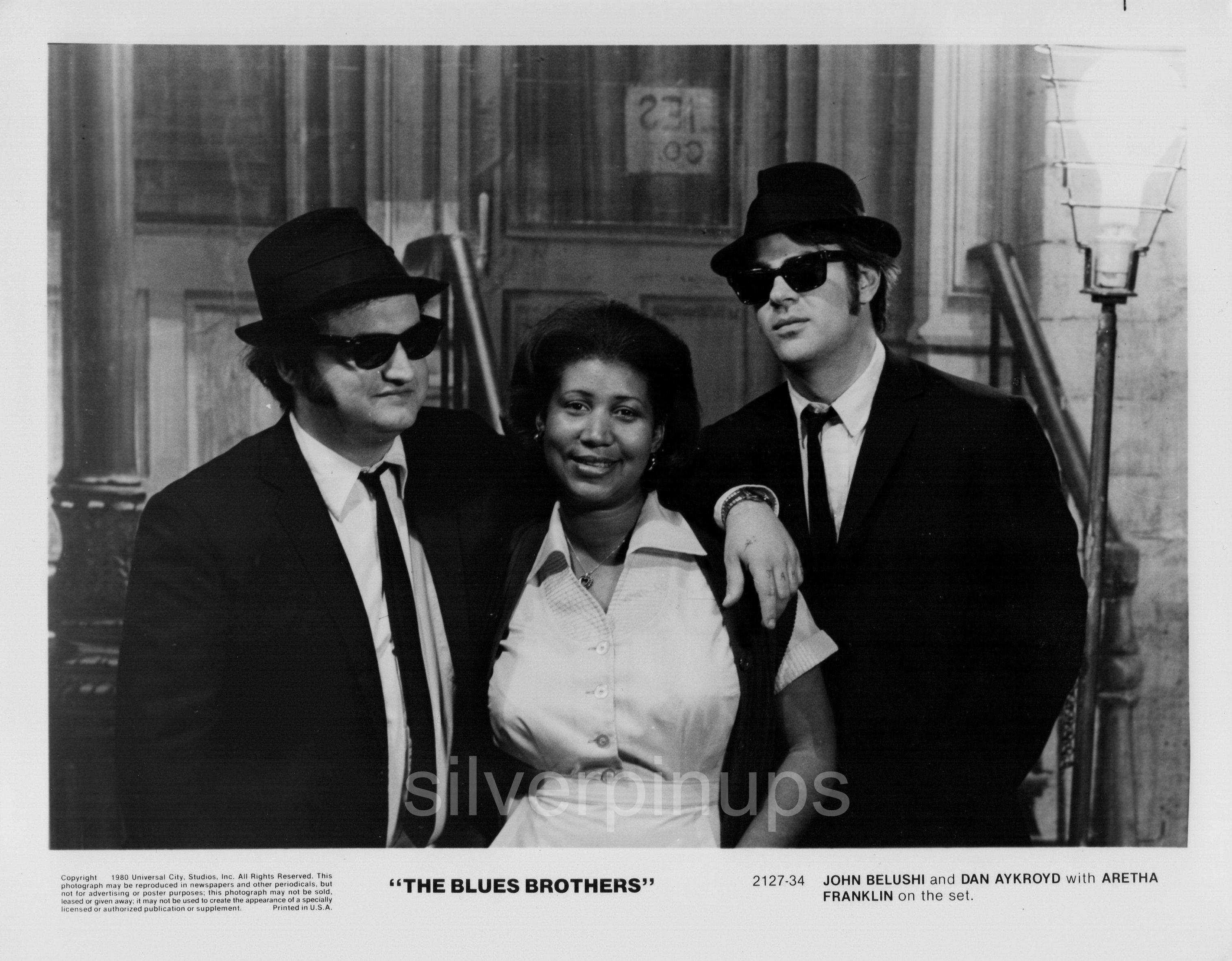 "247bbf72f5cb4 Orig 1980 JOHN BELUSHI – DAN AYKROYD with ARETHA FRANKLIN Candid.. ""THE  BLUES BROTHERS"""