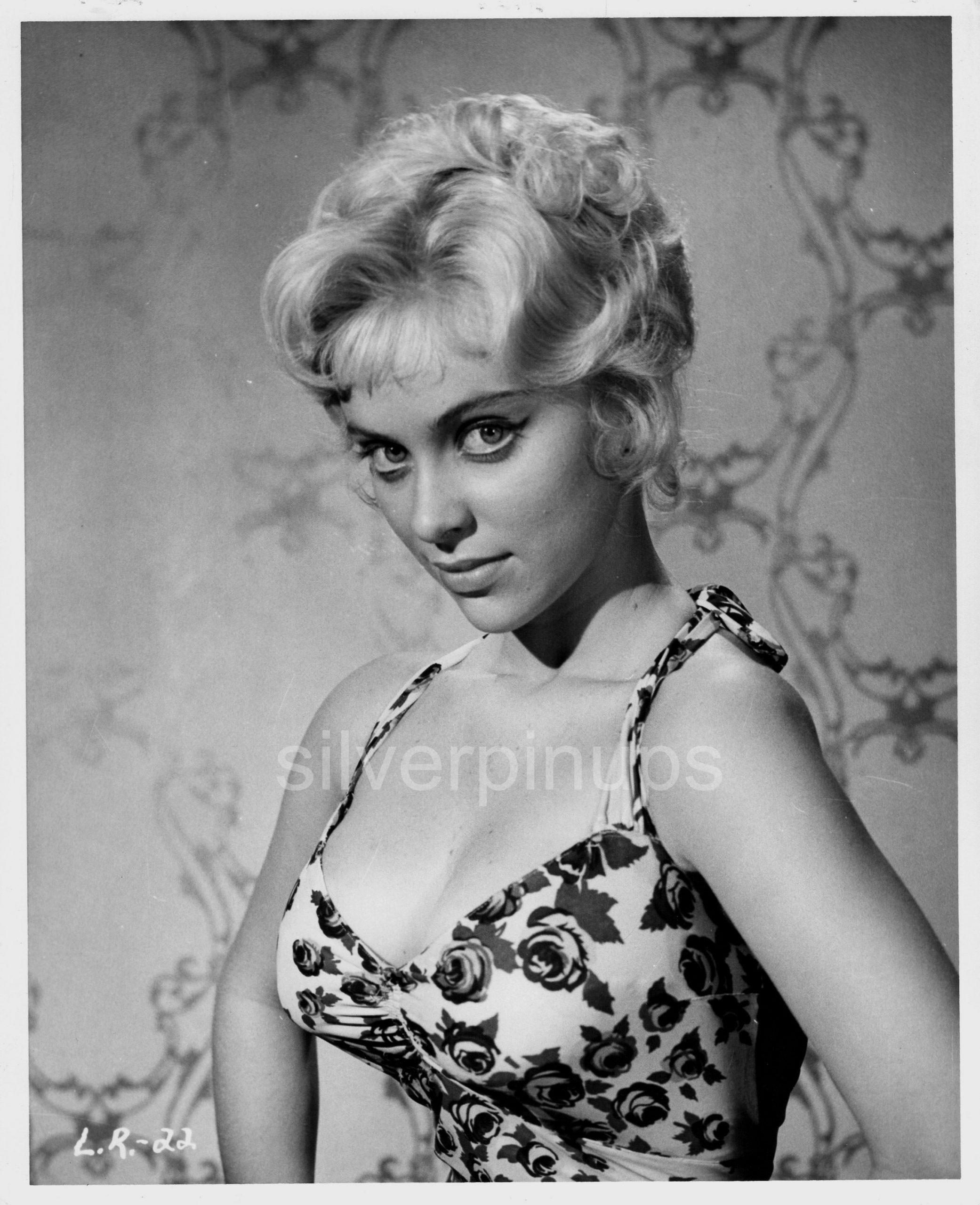 Orig 1958 JOY HARMON Floral Bombshell.. GLAMOUR PIN-UP